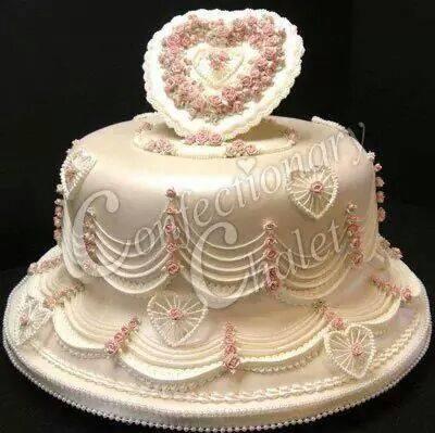 Victorian Elegance Lambeth Cake 2011