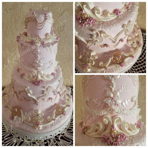 New Design - Lambeth Cake By Kathleen LangeVintage Rose Wedding Cake 2019