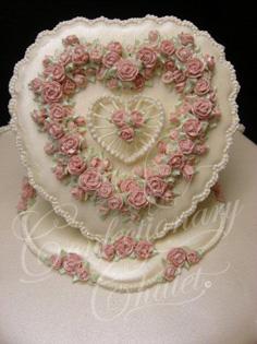 Victorian Elegance Lambeth Cake Top - 2011