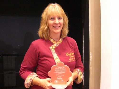 The Cake Festival - Milan, Italy - Kathleen Presenting Royal Icing Award - October 2014