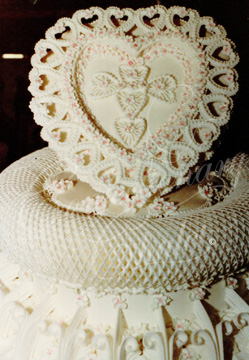 Lambeth Wedding Cake 1984