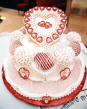 Red & White Heart Lambeth Cake 2/1985